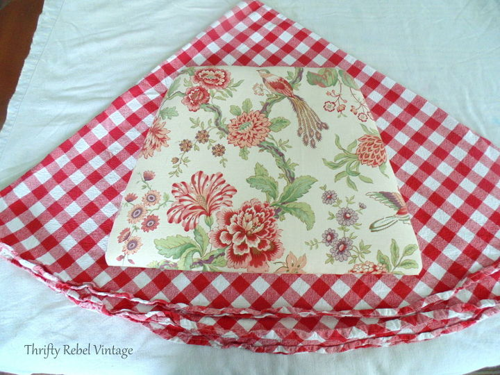 2 repurposed tablecloth kitchen chairs makeover