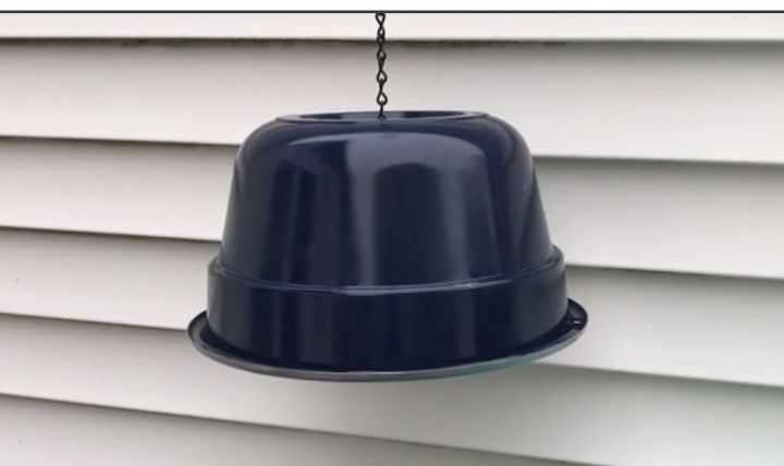 hanging patio light from a 2 pot