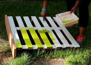 a mobile pallet bar you ll use all summer long