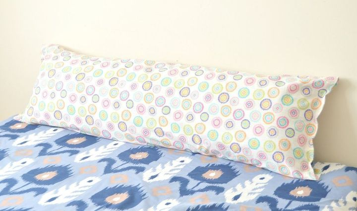 Next Time You're At Walmart Grab 40 Pillows And Do This To Make Your Enchanting Diy Body Pillow Cover