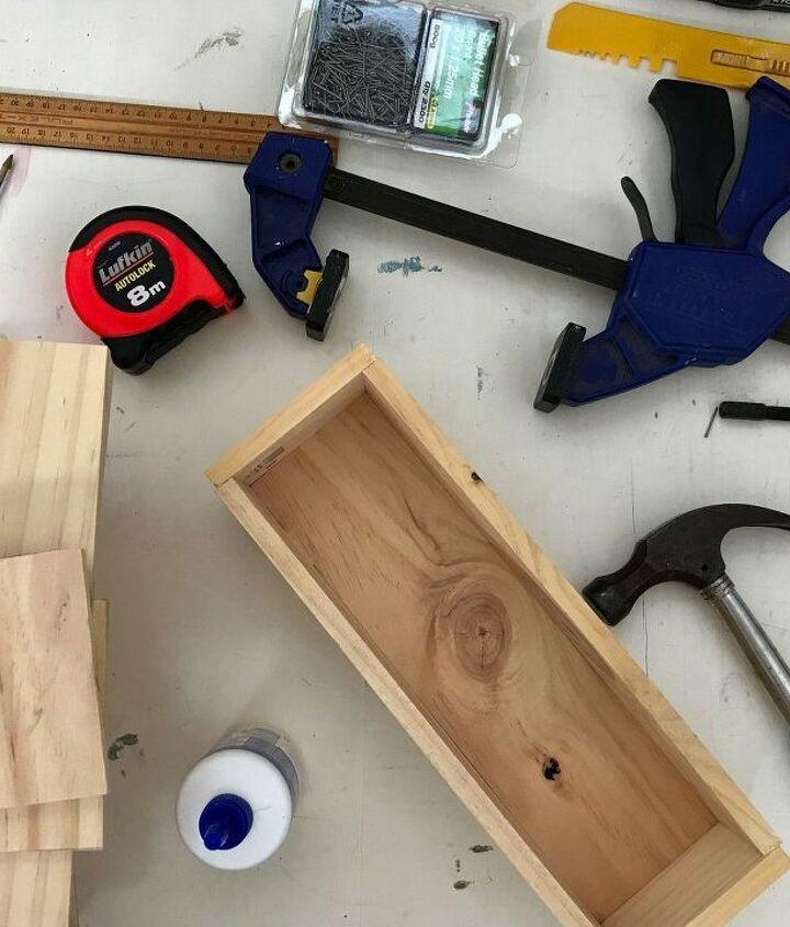 mini planter box table decor idea