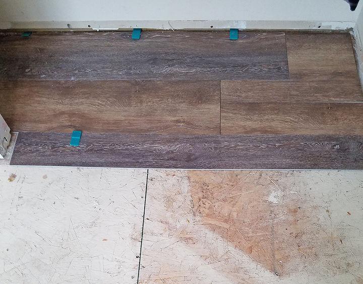 How to install vinyl plank flooring hometalk how to install vinyl plank flooring solutioingenieria Images