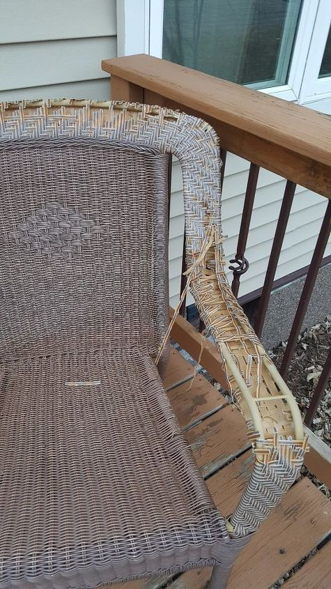 q my outdoor chair need help