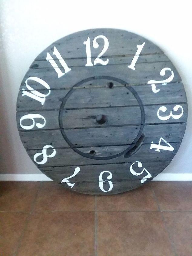 e large wire spool clock, Large clock