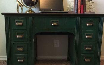 """""""Re-Vintage"""" a Vintage Desk"""