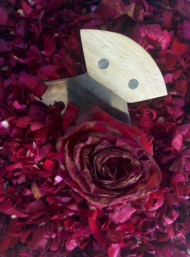 diy rose petal air freshener in a mason jar