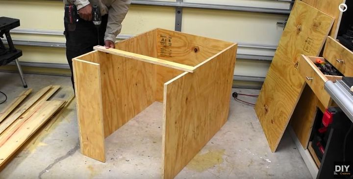 how to make a dog house