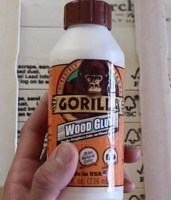 diy wood sign using paint sticks