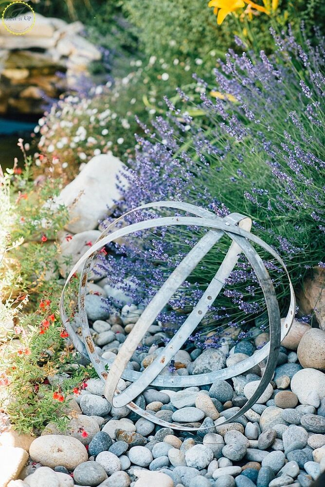 Art For The Garden: 30 Garden Art Ideas To Fall In Love With