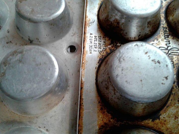 t kitchen hack cleaning old cupcake pan