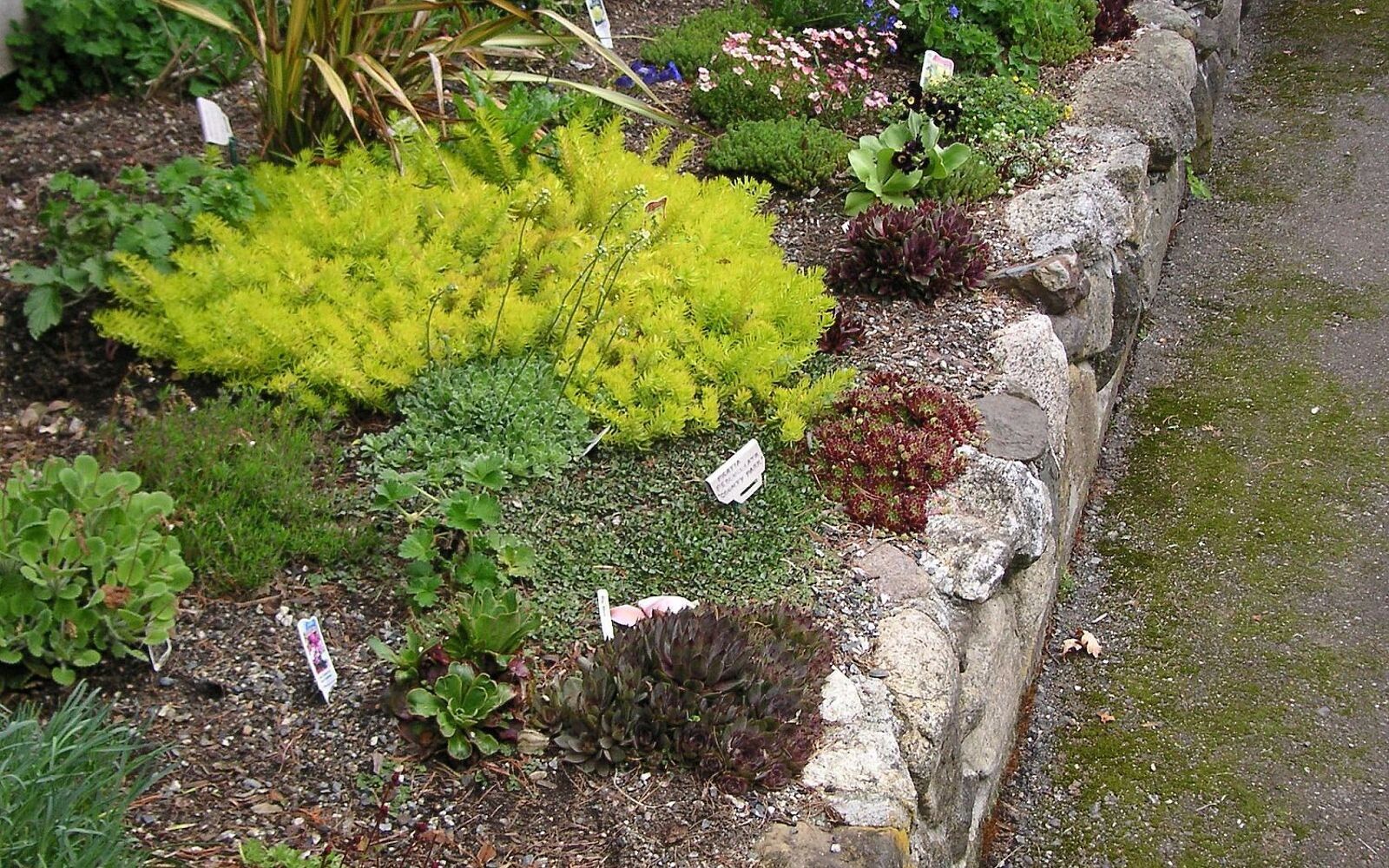 s 30 ways for you to style your garden, Build A Rock Garden