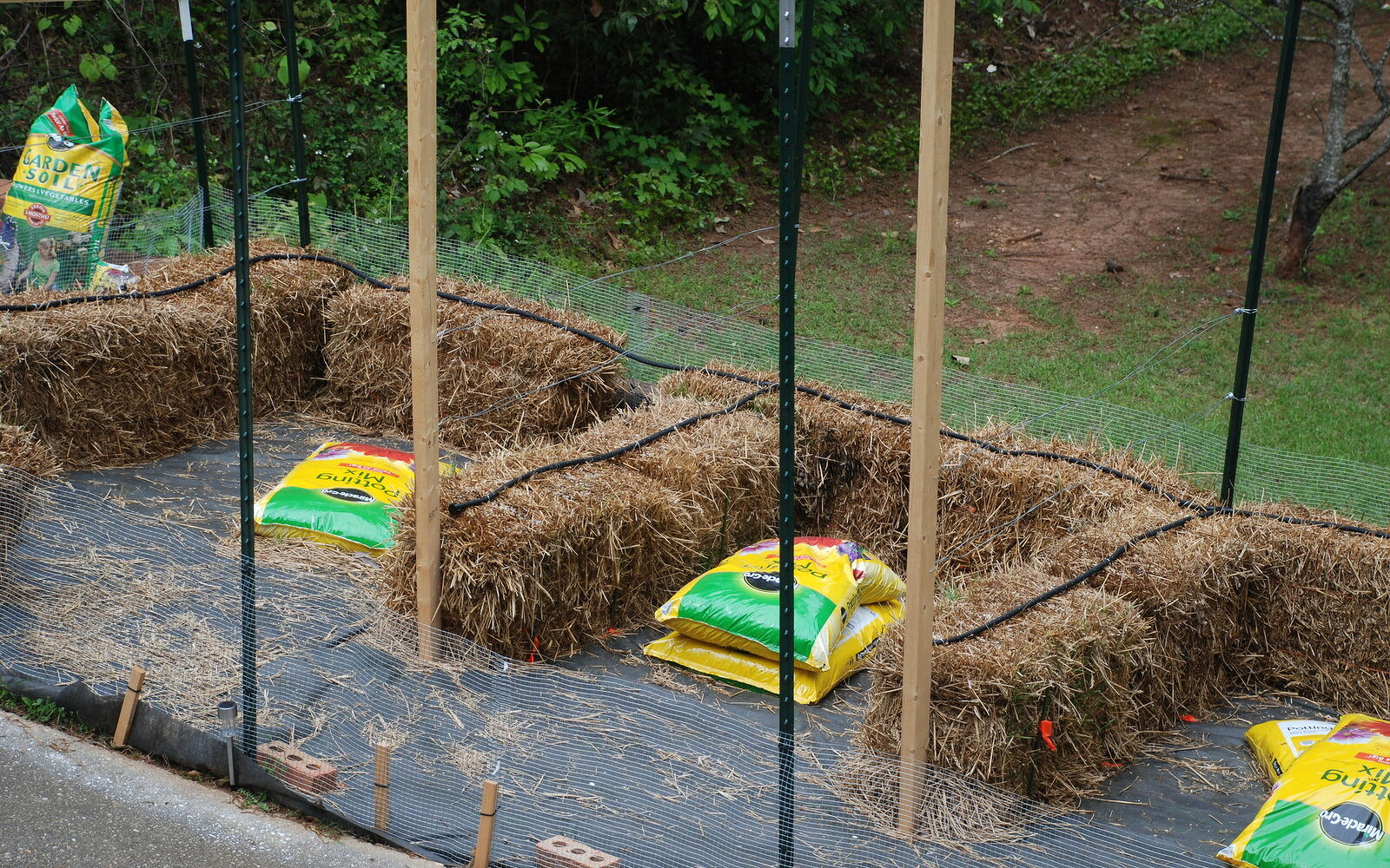 s 30 ways for you to style your garden, Use Straw Bales For A Rustic Looking Garden