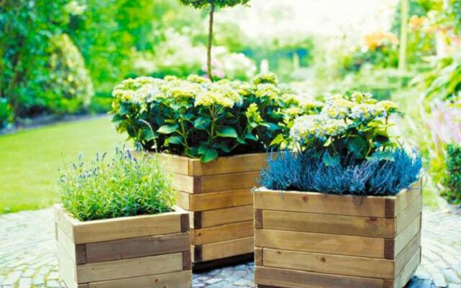 s 30 ways for you to style your garden, Use Pallets To Hold Your Flowers