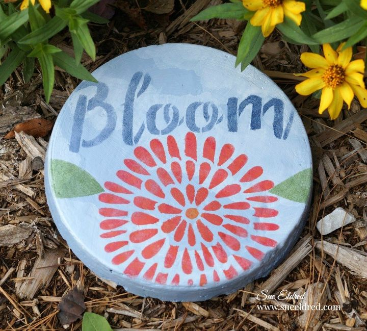 Painted Garden Stones: See How To Pour Concrete Into A Cake Pan To Make Your