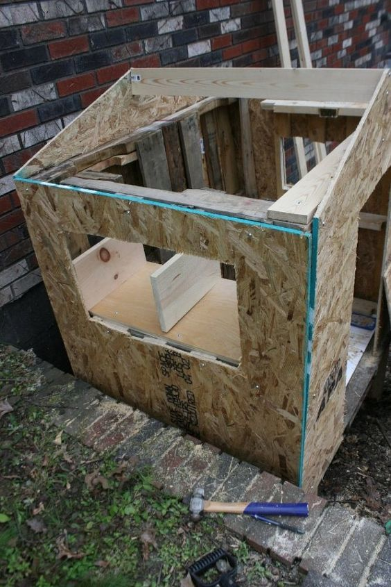 how to build a chicken coop from repurposed pallets