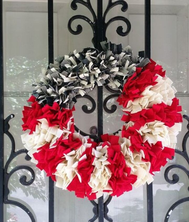 s 15 unusual flag ideas that actually look amazing, Shred Up Your Jeans Into A Fluffy Wreath