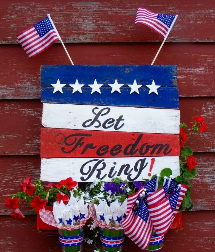 s 15 unusual flag ideas that actually look amazing, Build A Planter In The Star Spangled Banner
