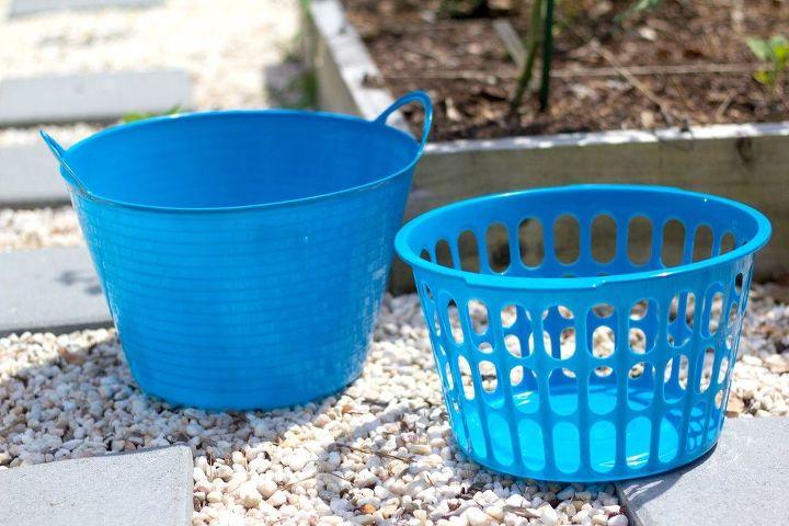 2 garden gathering basket
