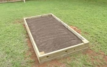 Super Easy DIY Raised Garden Bed
