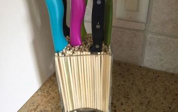 a stylish and unique way to display your kitchen knives, Nice display of knives