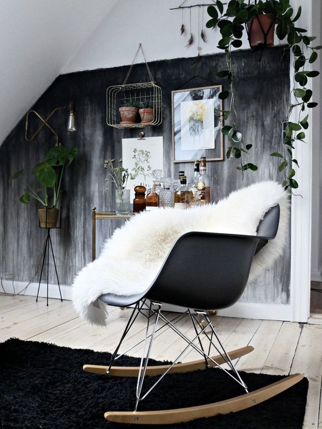 q can you please tell me how to paint my wall in that style