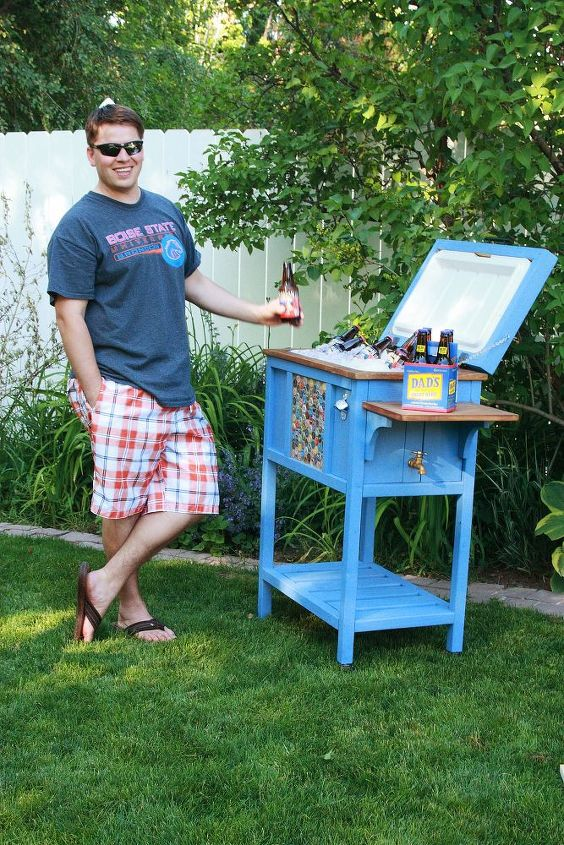 s heartwarming diy gifts ideas for your dad on his big day, Build A Cooler From Beer Caps