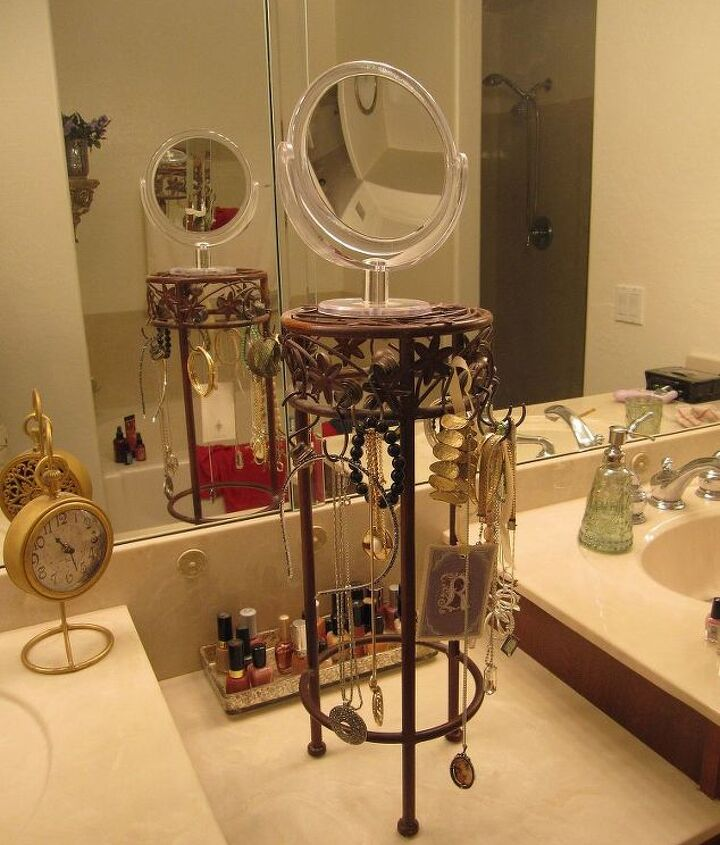 s 23 surprising uses for curtain rings, Organize accessories on a wire frame