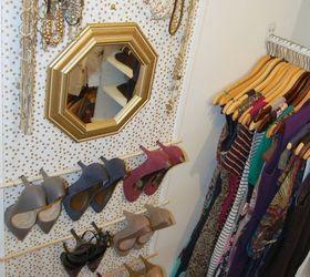 Put Up A Vertical Organizer In Your Closet
