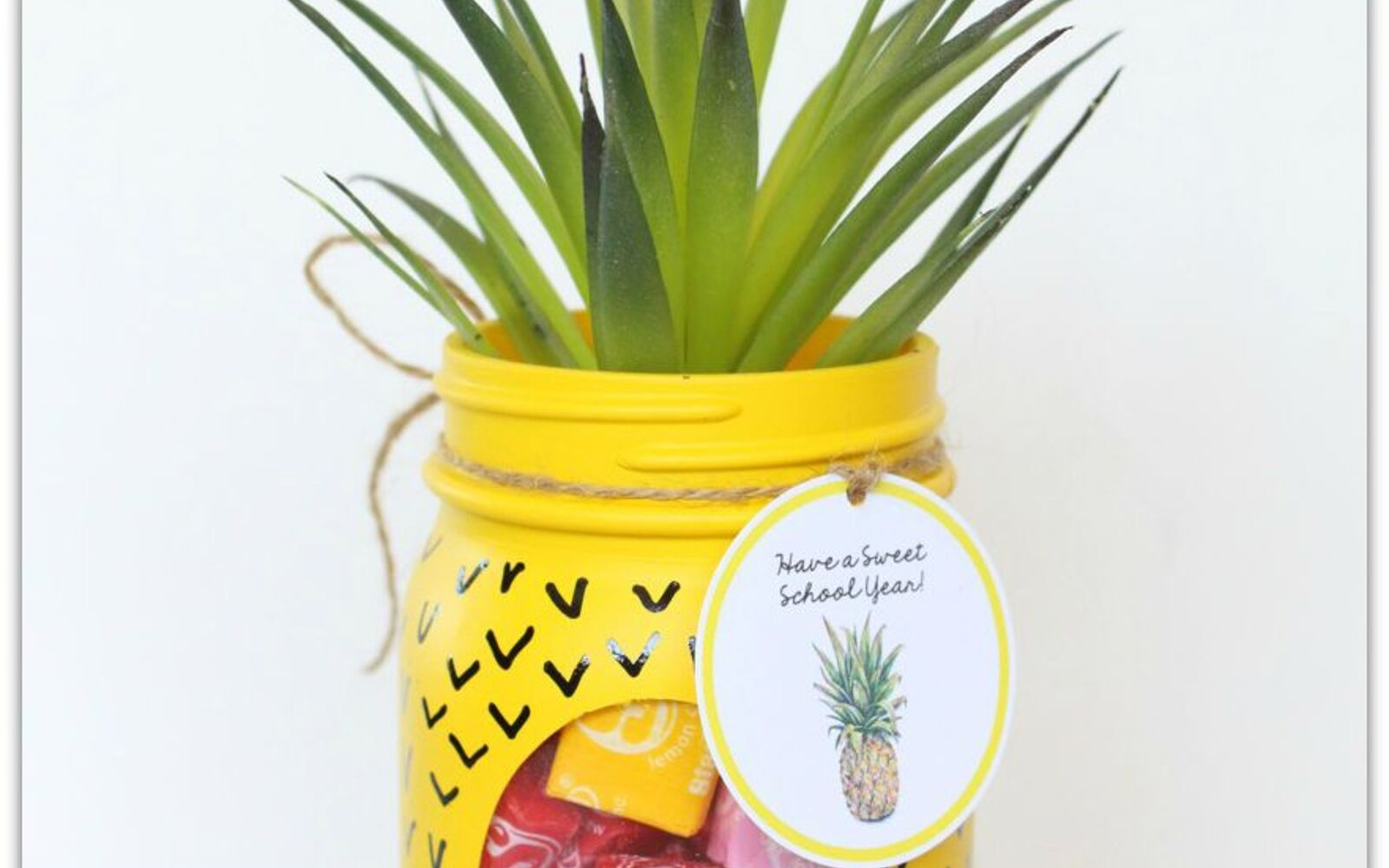 s 30 great mason jar ideas you have to try, A Whimsical Welcome Candy Bowl