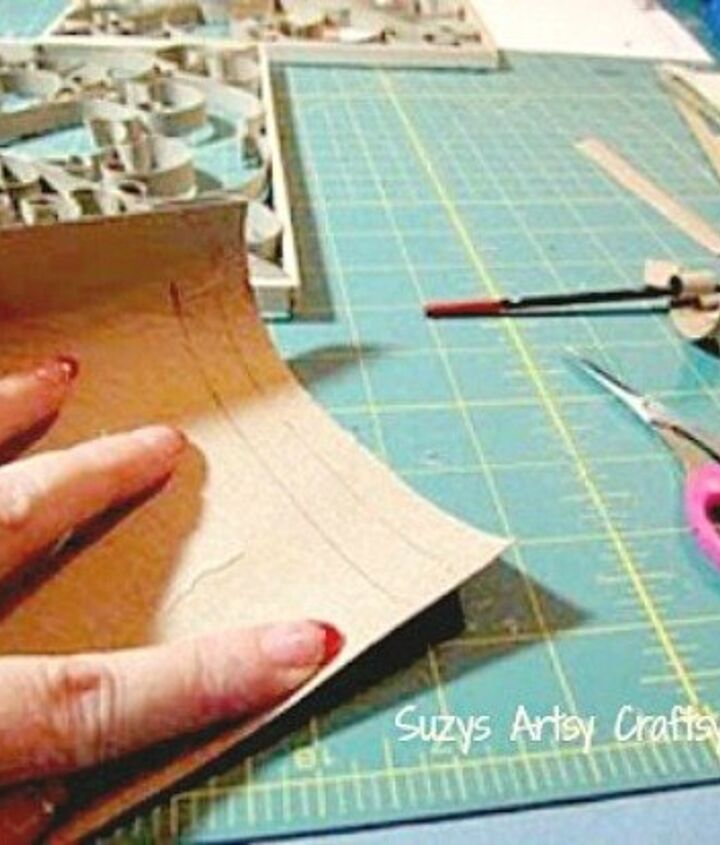 how to make a pretty frame with paper tubes