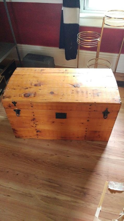 q refinishing a antique trunk inside