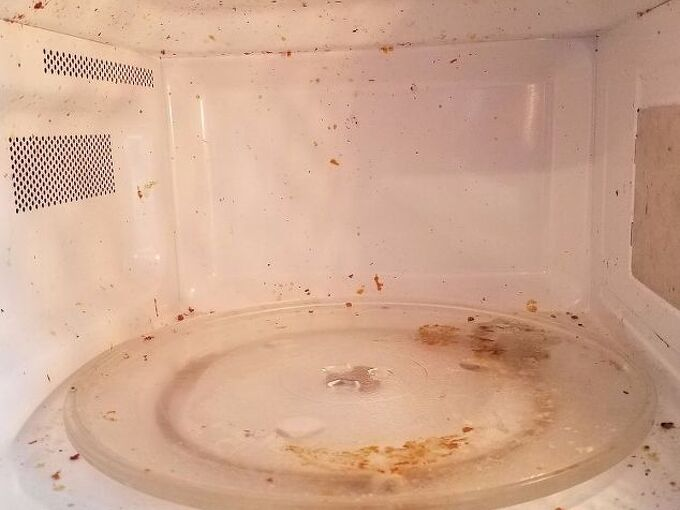 easiest way to clean a microwave