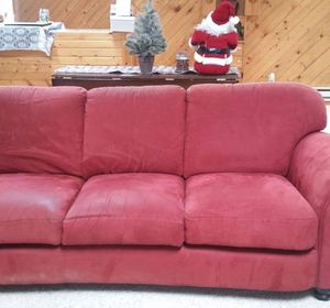 s hide your couch s wear and tear with these great ideas
