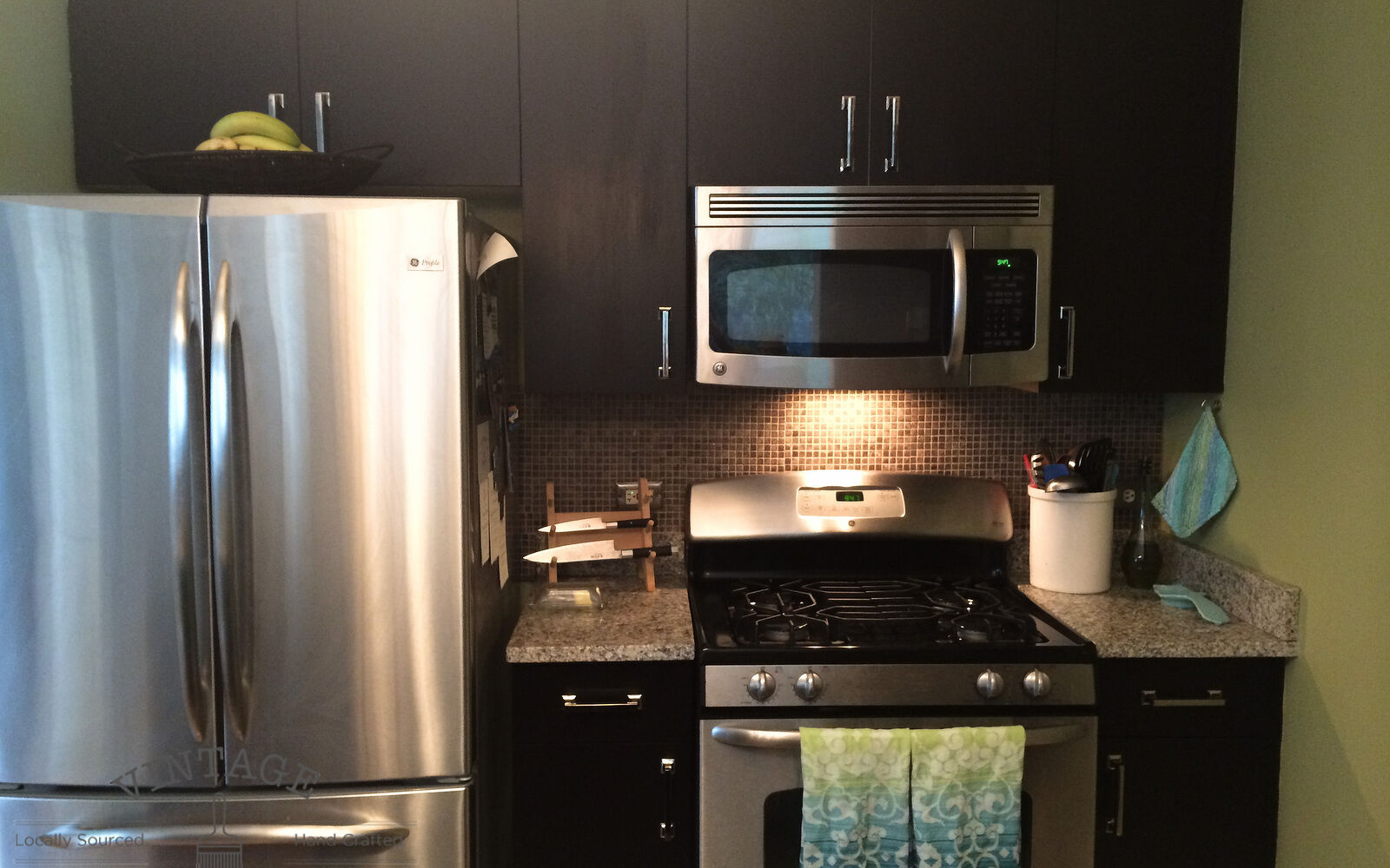 s 31 update ideas to make your kitchen look fabulous, Stain your cabinets with a gel