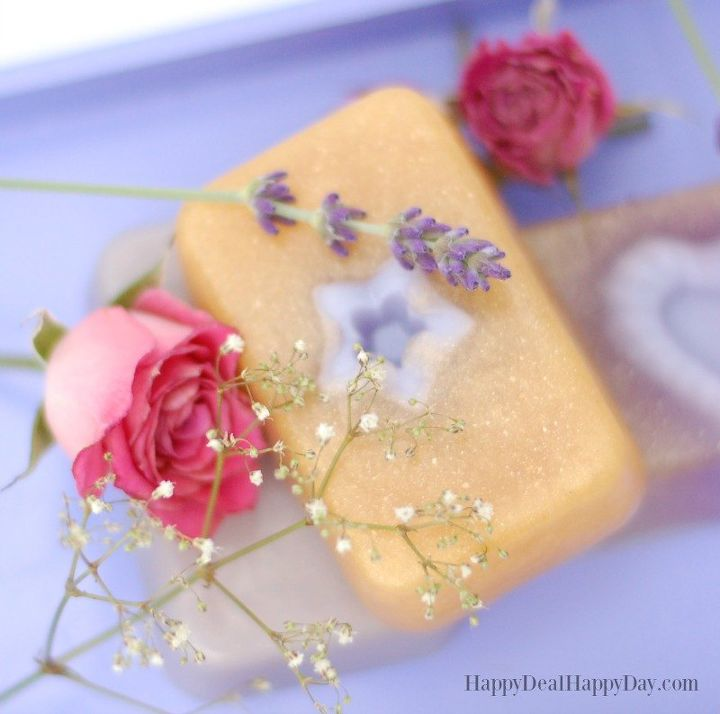 easy melt pour lavender rose soap with gold mica powder