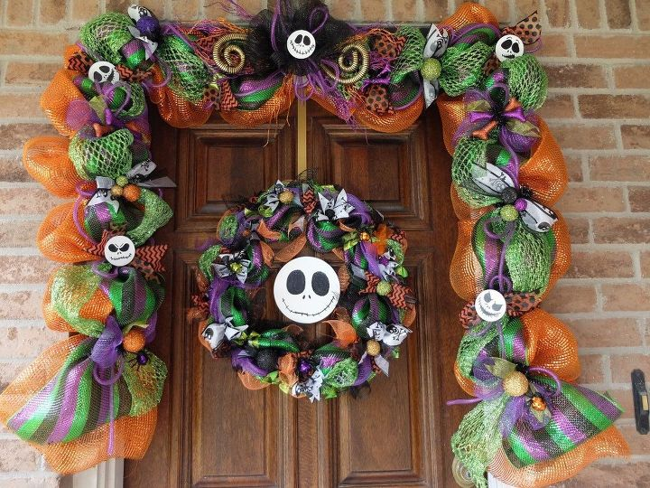 s 15 uncanny hacks for making pretty garland decor, Twist And Turn Mesh For Halloween