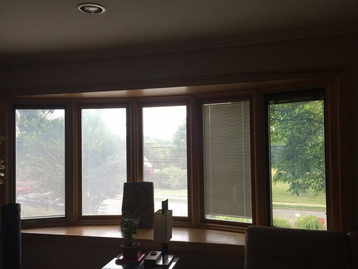 q how to remove water spots from a polished windowsill