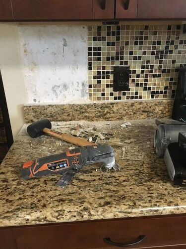 Easy removal of granite backsplash hometalk for Replacing backsplash