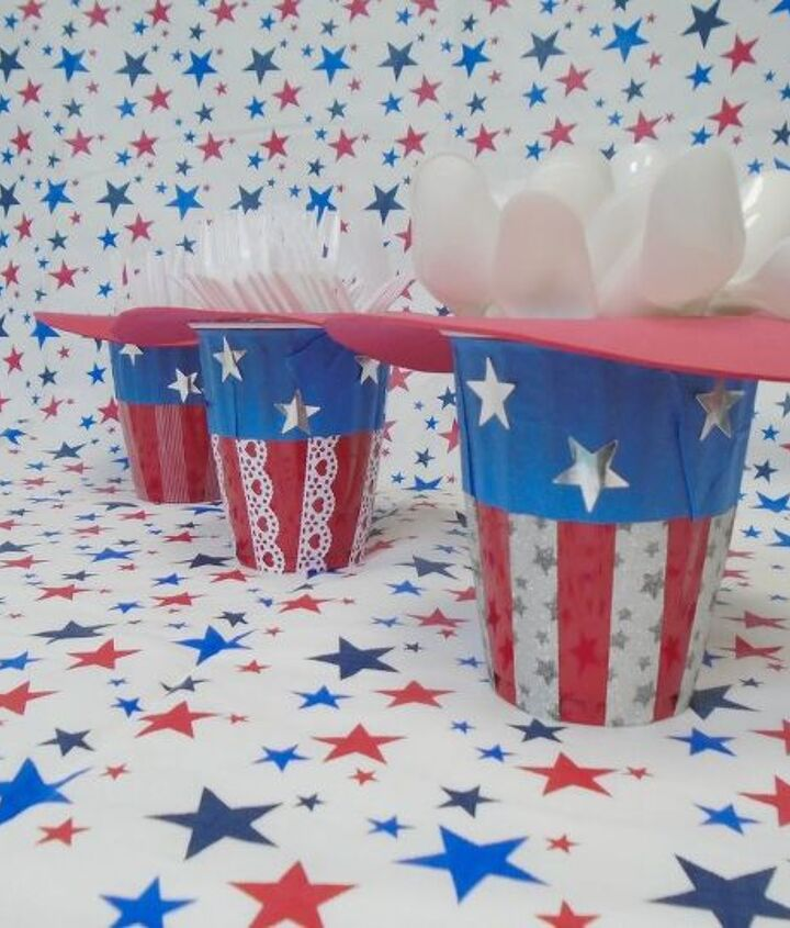 s 30 adorable diy ideas for july 4th, Craft these festive plasticware holders