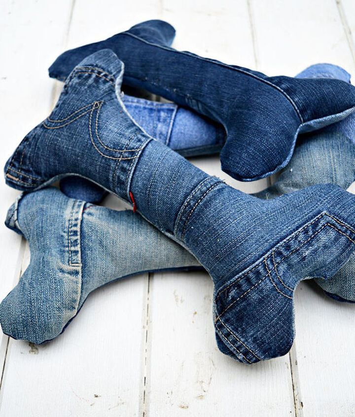 s 30 ways to use old jeans for brilliant craft ideas, Stitch Dog Toys With Your Jeans
