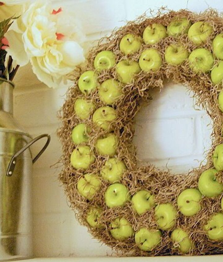 s 30 fabulous wreath ideas that will make your neighbors smile, Don t eat those apples hang them instead