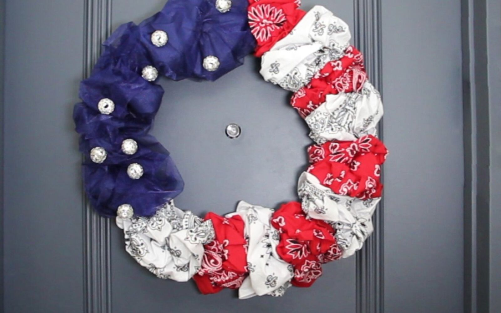 s 10 patriotic projects perfect for your fourth of july party, Stuff Bandanas In Wire Wreaths