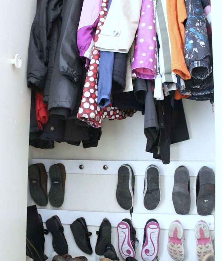 s 30 amazing ways to organize your shoes, Hang shoes from cabinet knobs in the wall