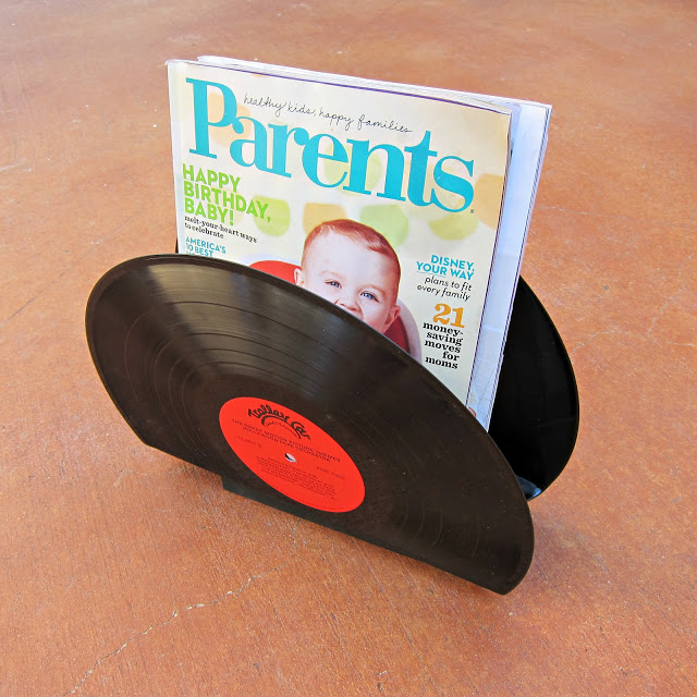 s 30 ideas to make your office look great, Vinyl album mail holder