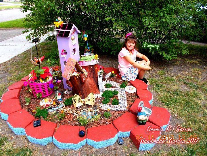 tree stump fairy and gnome garden - Gnome Garden