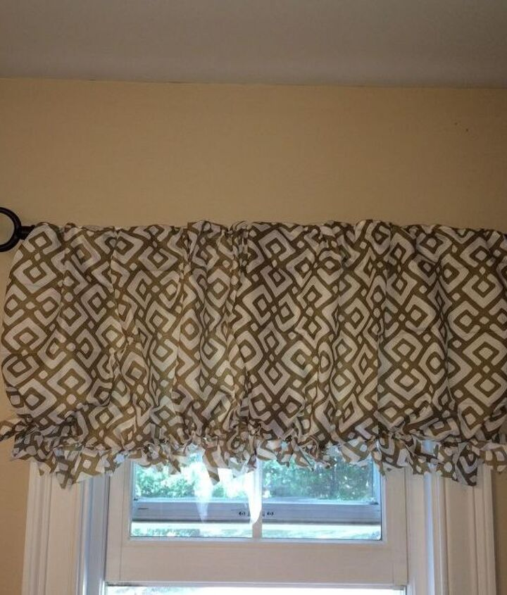 s 15 lovely valances that will make you feel accomplished, Make A 2 Pillowcase Into A Valance