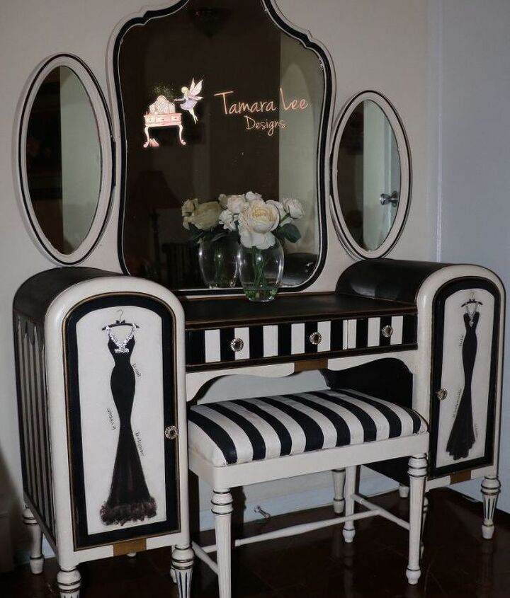 s 15 gorgeous vanities worthy of royalty that s you, Get Glam With Sparkle And Crystals