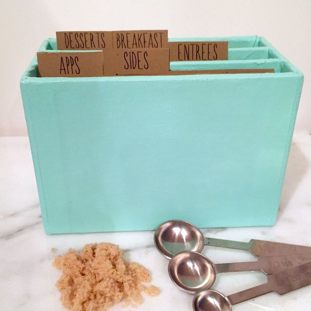 Cute easy painting ideas - This Painted Recipe Box
