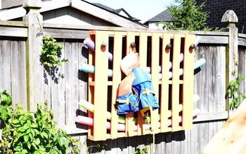 Create a Splash of Color With This Wooden Pallet Pool Organizer