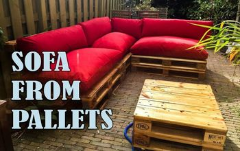 Build A Sturdy Sofa From Pallets (Outdoor)